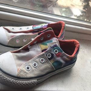 Some toddler converse sneakers